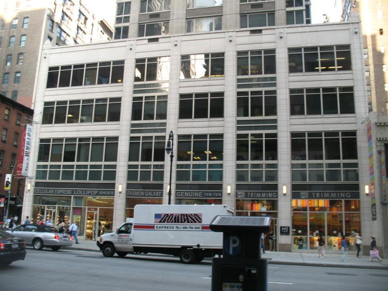 Atlas New York Building - Clinton Apartment Rentals