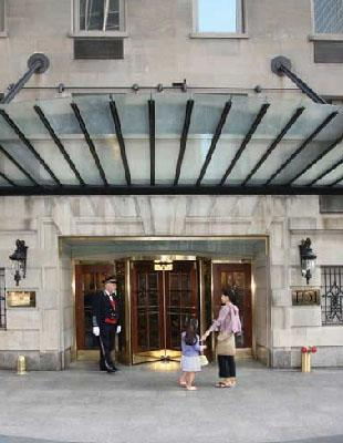 Claridge's Entrance - Clinton Apartment Rentals
