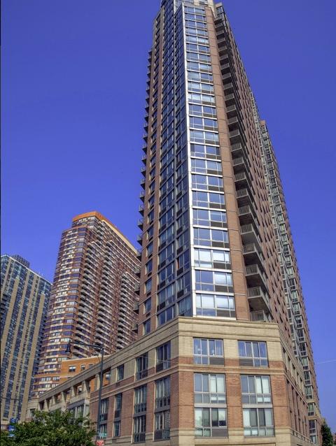Avalon Riverview -LIC Apartments