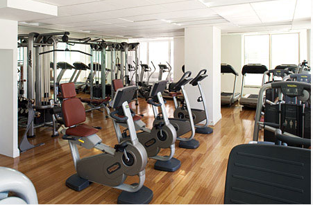 325 North End Avenue Gym - Battery Park City Rental Apartments