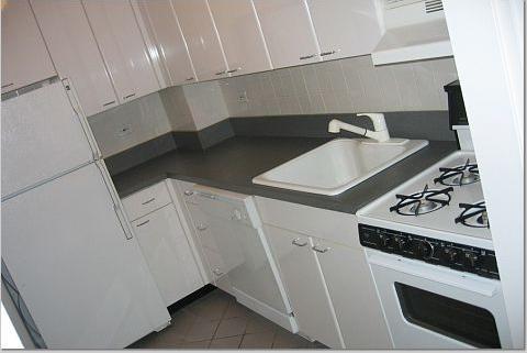 150 East 58th Street Kitchen - Gramercy Park Rental Apartments