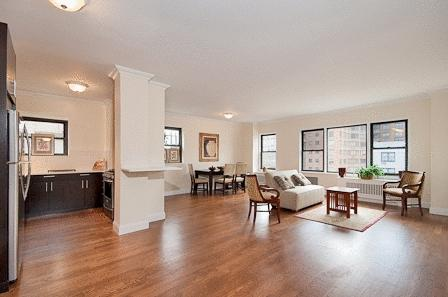 70 West 95th Street Living Room - Upper West Side Rental Apartments