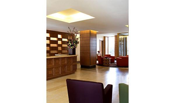Tribeca Green Lobby - Battery Park City Apartment Rentals