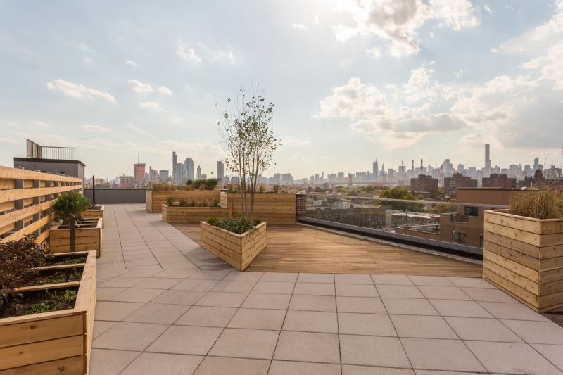 Apartments for rent at Astoria Central - Rooftop