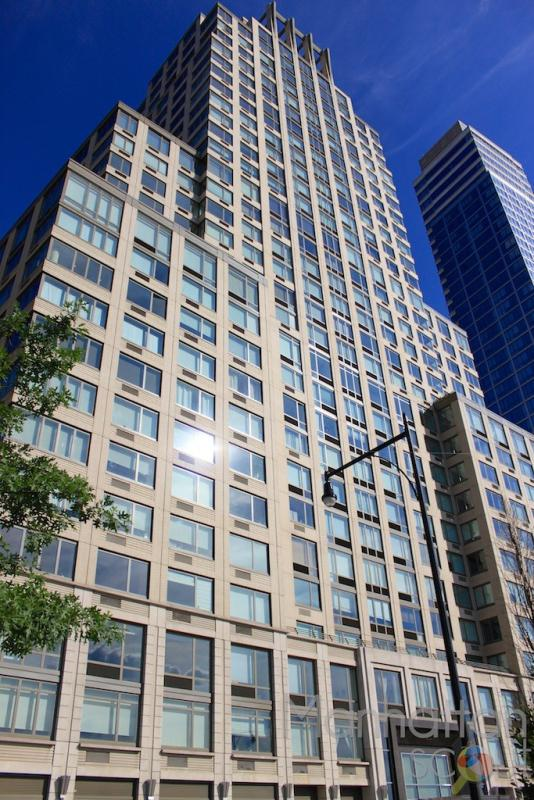 Building - Avery - 100 Riverside Boulevard - NYC