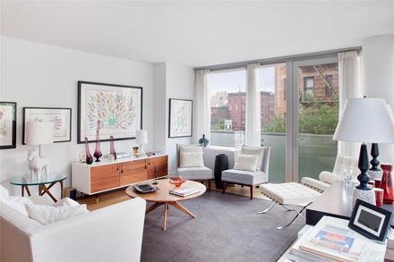 Chatham 44 Livingroom - Luxury Apartments for Rent, NYC, Clinton