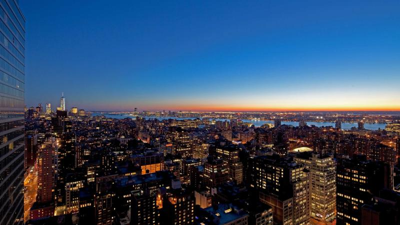 Stunning views from EOS in Manhattan - Condos for rent
