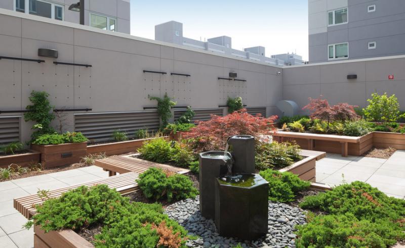Garden - Williamsburg - Brooklyn - NYC - Luxury Apartments