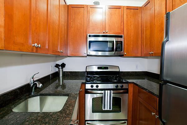 Kitchen - Parc Coliseum - Manhattan - New York City Rentals