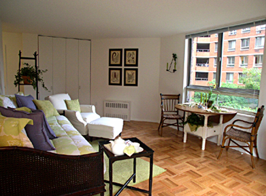 Living Room - Kips Bay Court - 520 Second Avenue