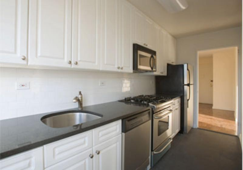 The Clermont Tower Kitchen - Manhattan Apartments for rent