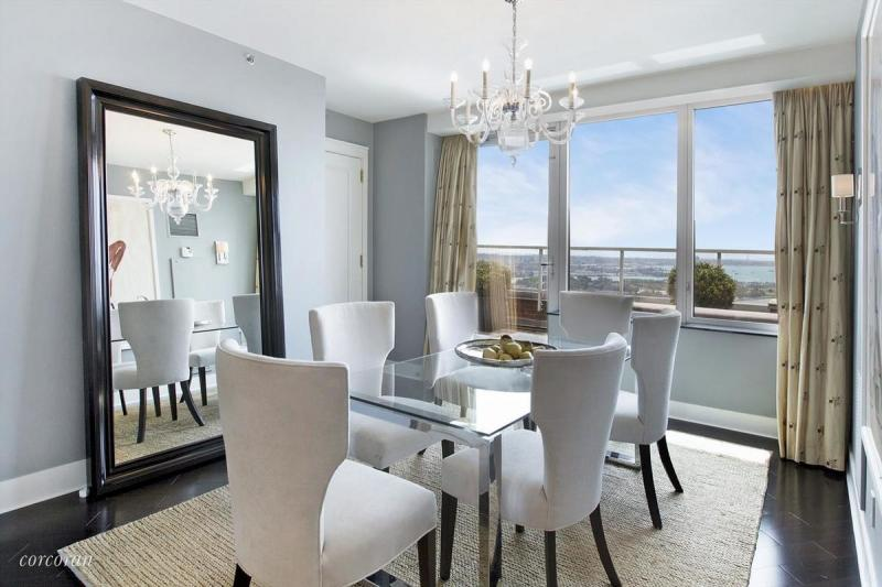 Apartments for rent at The Ritz Carlton - Dining area