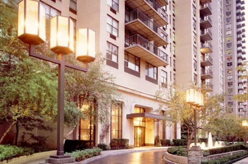 The Somerset Entrance - Upper East Side Apartment Rentals