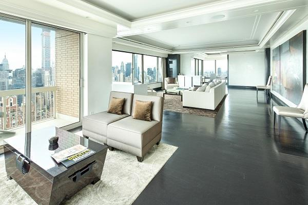 Apartments for rent at 3 Trump Palace - Living Room