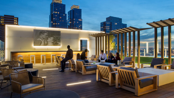 Manhattan Amenities Amp Up Competition Luxury Rentals