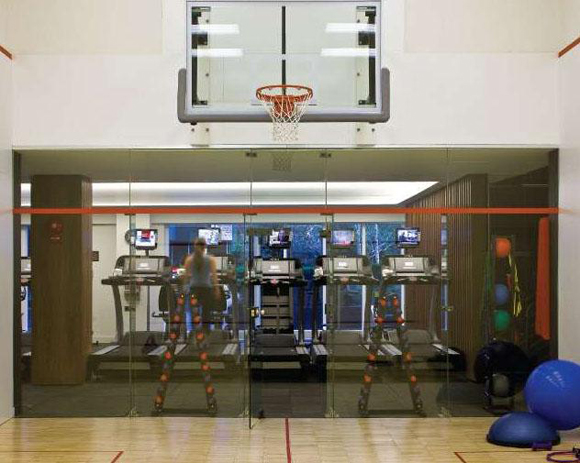 Luxury Rental Apartments at 515 East 72nd Street have an indoor basketball court and dedicated cardio facility.